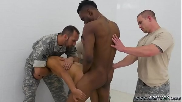 Pissing, Army