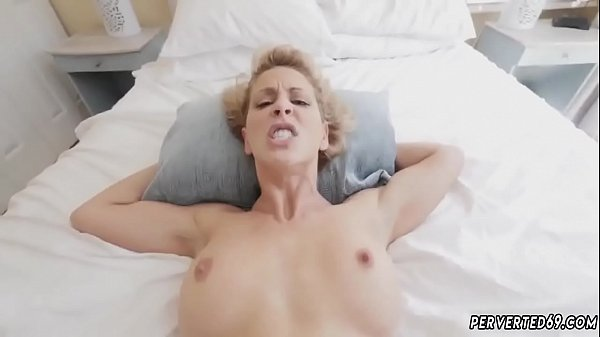 Cherie deville, Milf stocking
