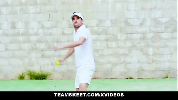 Anal busty, Tennis